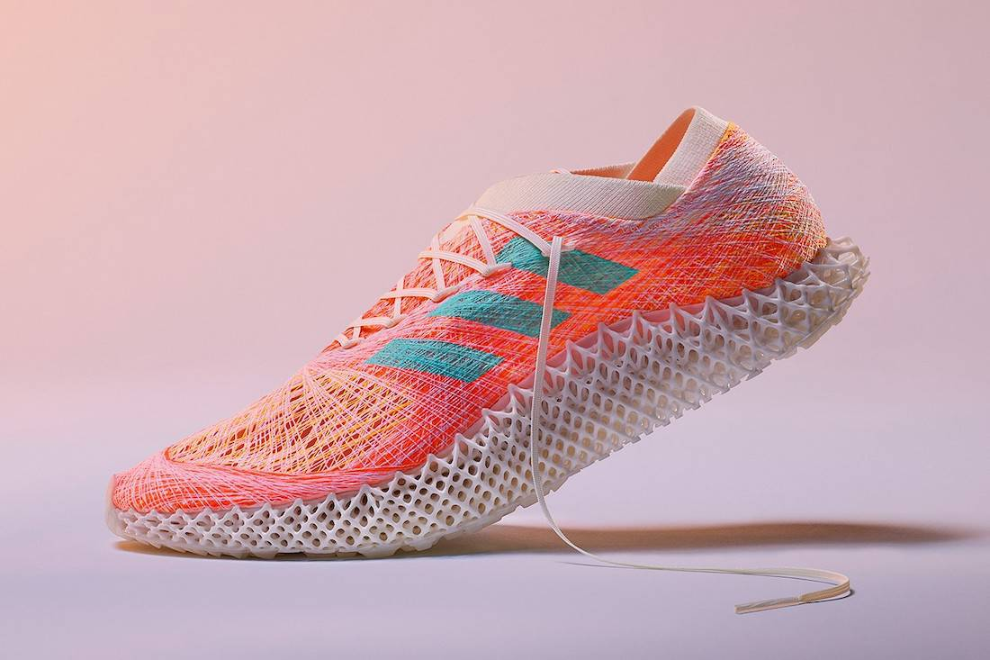 A sneaker with 3D-printed insoles and white laces
