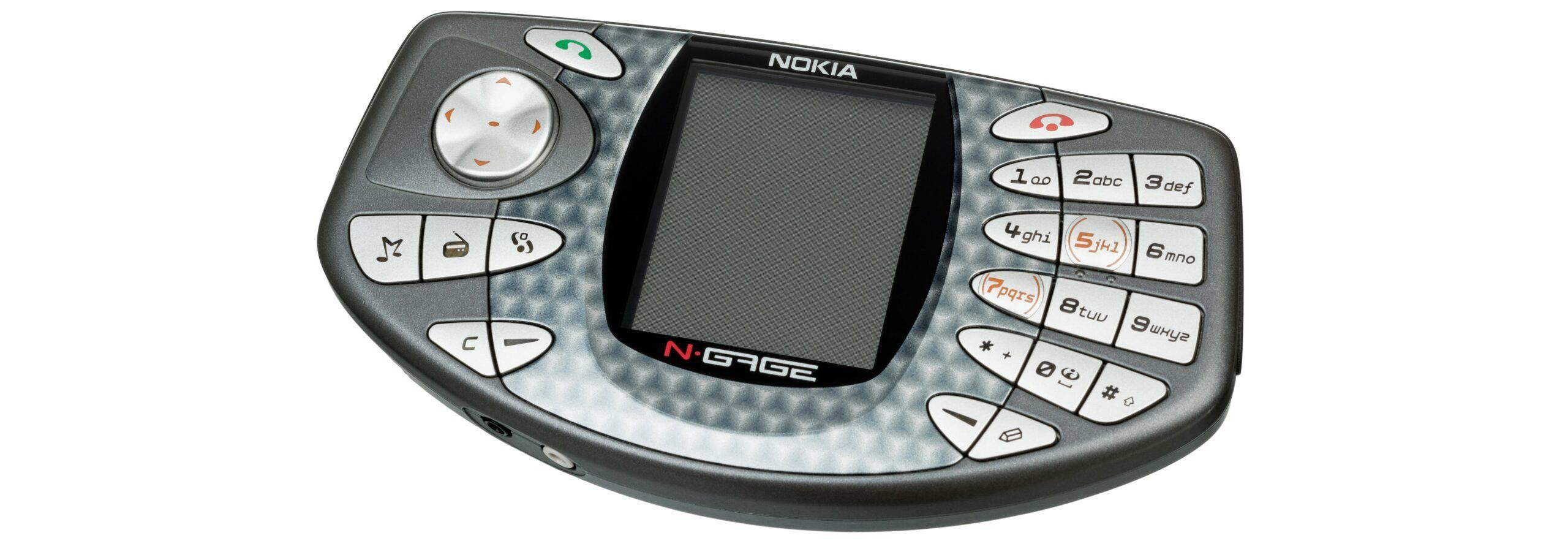Nokia N-Gage phone/gaming combo